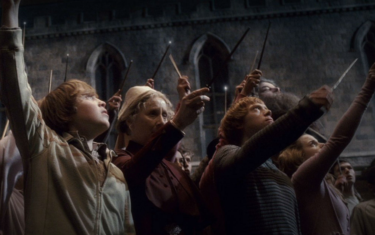 Harry Potter And The Half-Blood Prince - Wands Raised For Dumbledore