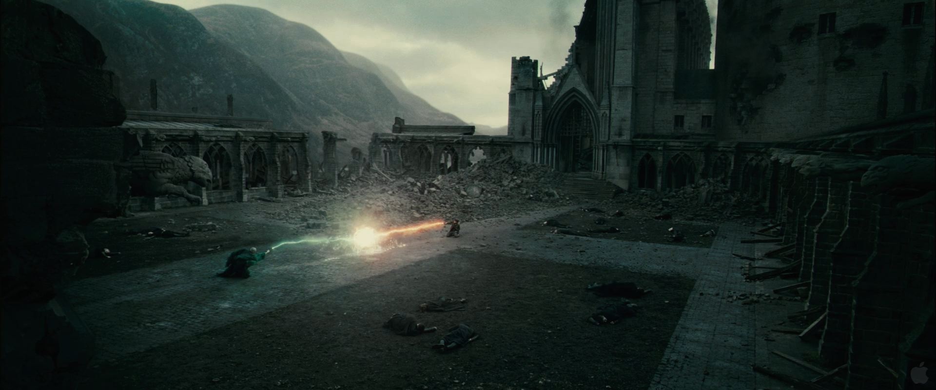 The 5 Most Iconic Moments In 'Harry Potter And The Deathly Hallows - Part 2' - Harry Defeats Voldemort