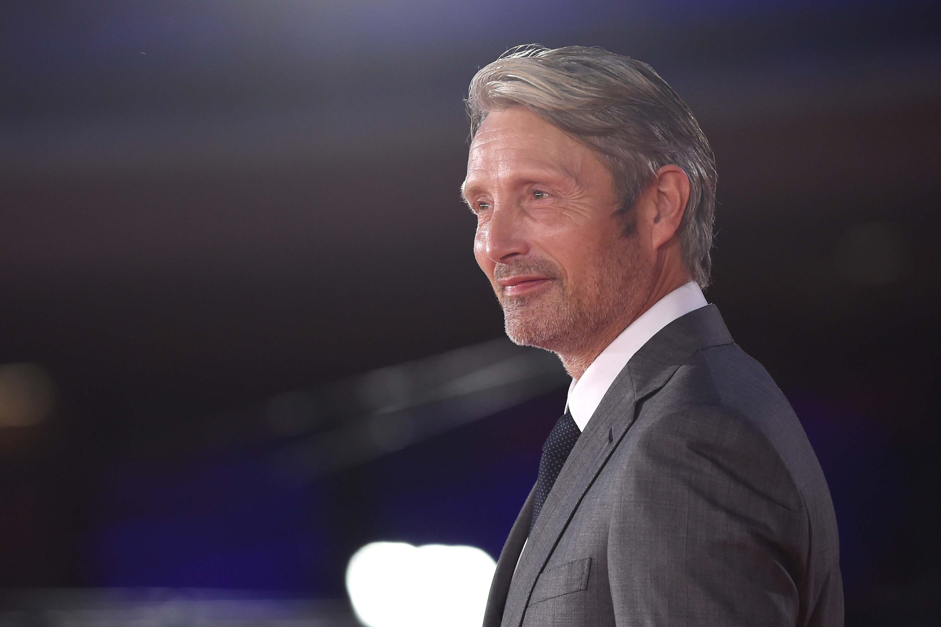 Mads Mikkelsen Teases A Different Grindelwald In 'Fantastic Beasts 3'